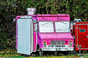 hot-pink-food-truck